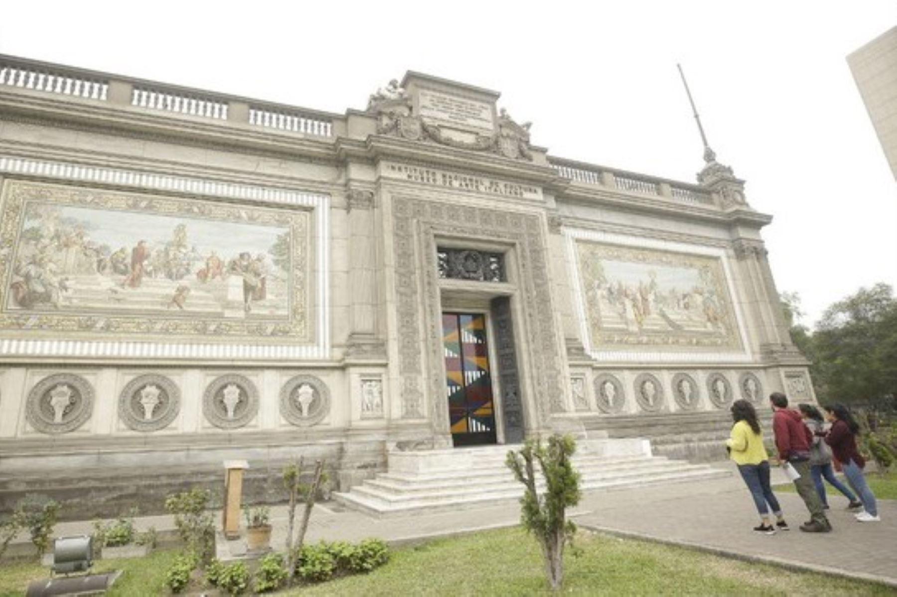 Sede del Museo de Arte Italiano en el centro de Lima.