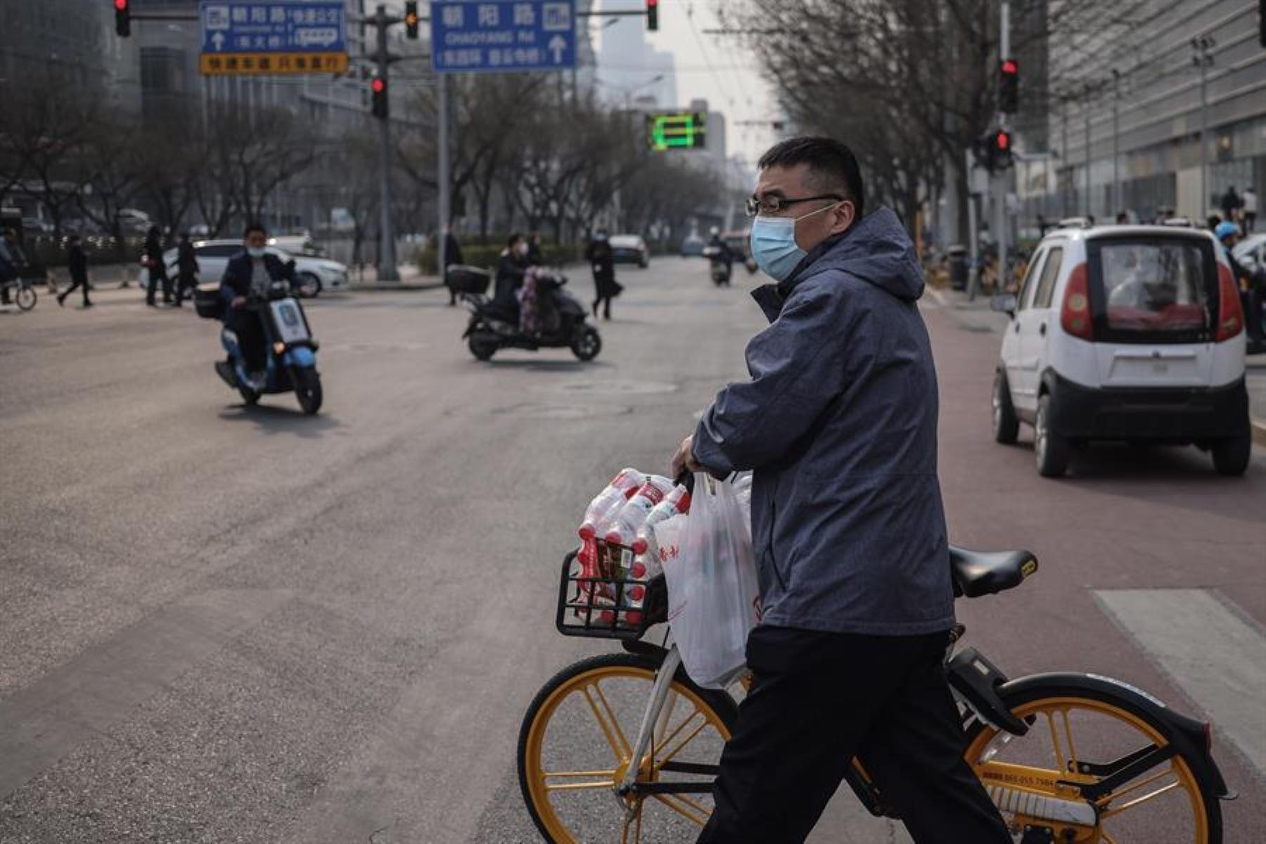 China prolonga su racha en cifras mínimas con 8 nuevos positivos del virus.