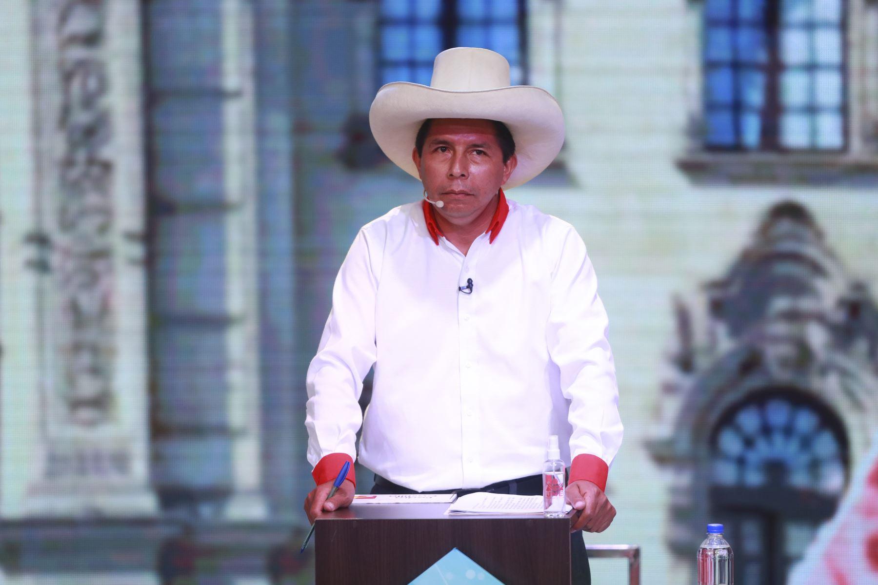 José Castillo, de Perú Libre,  participa en la segunda fecha del debate de candidatos presidenciales organizado por el Jurado Nacional de Elecciones (JNE), previo a los comicios generales del 11 de abril.  Foto: ANDINA/Carla Patiño Ramírez