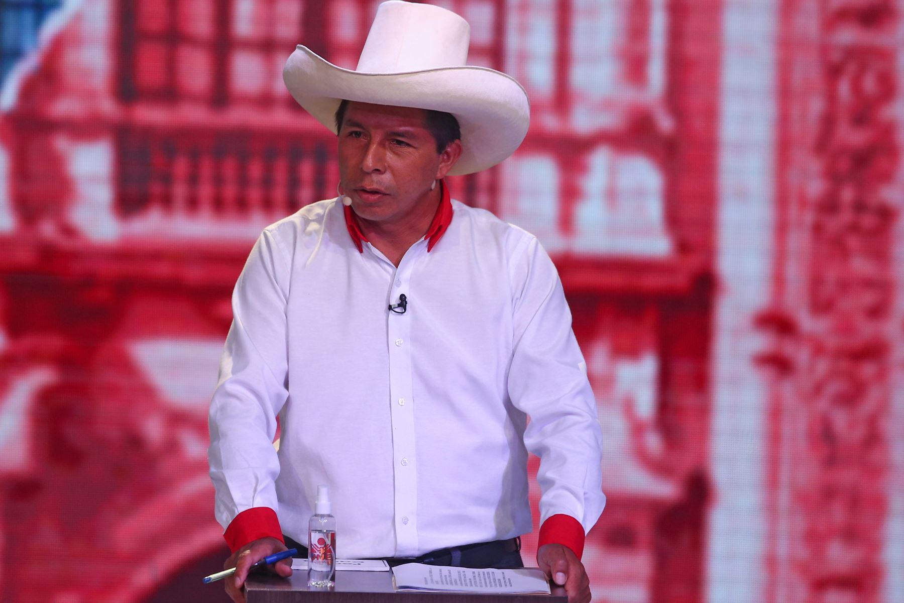 José Castillo, de Perú Libre,  participa en la segunda fecha del debate de candidatos presidenciales organizado por el Jurado Nacional de Elecciones (JNE), previo a los comicios generales del 11 de abril. Foto: ANDINA/Vidal Tarqui