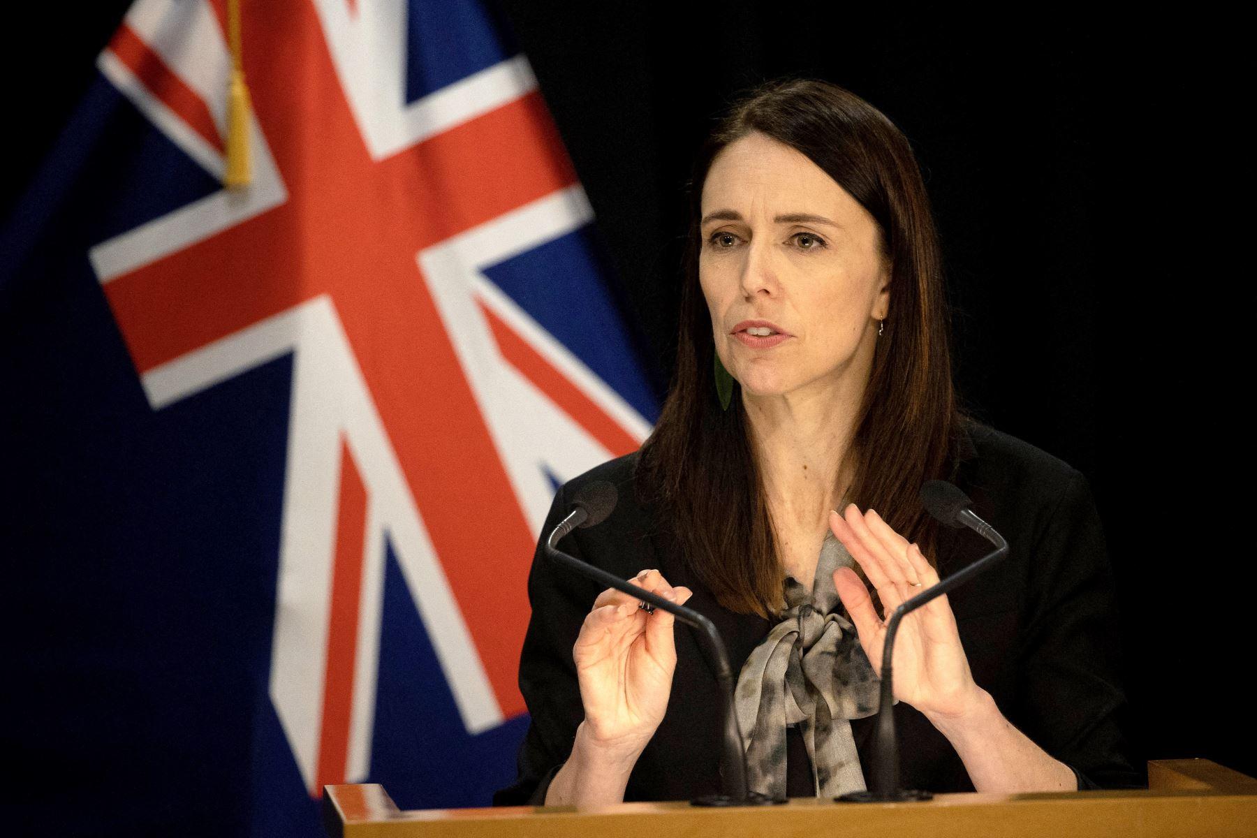 La primera ministra neozelandesa, Jacinda Ardern, mencionó que esta medida forma parte de las promesas electorales claves y que beneficiará a 175,000 personas. Foto: AFP