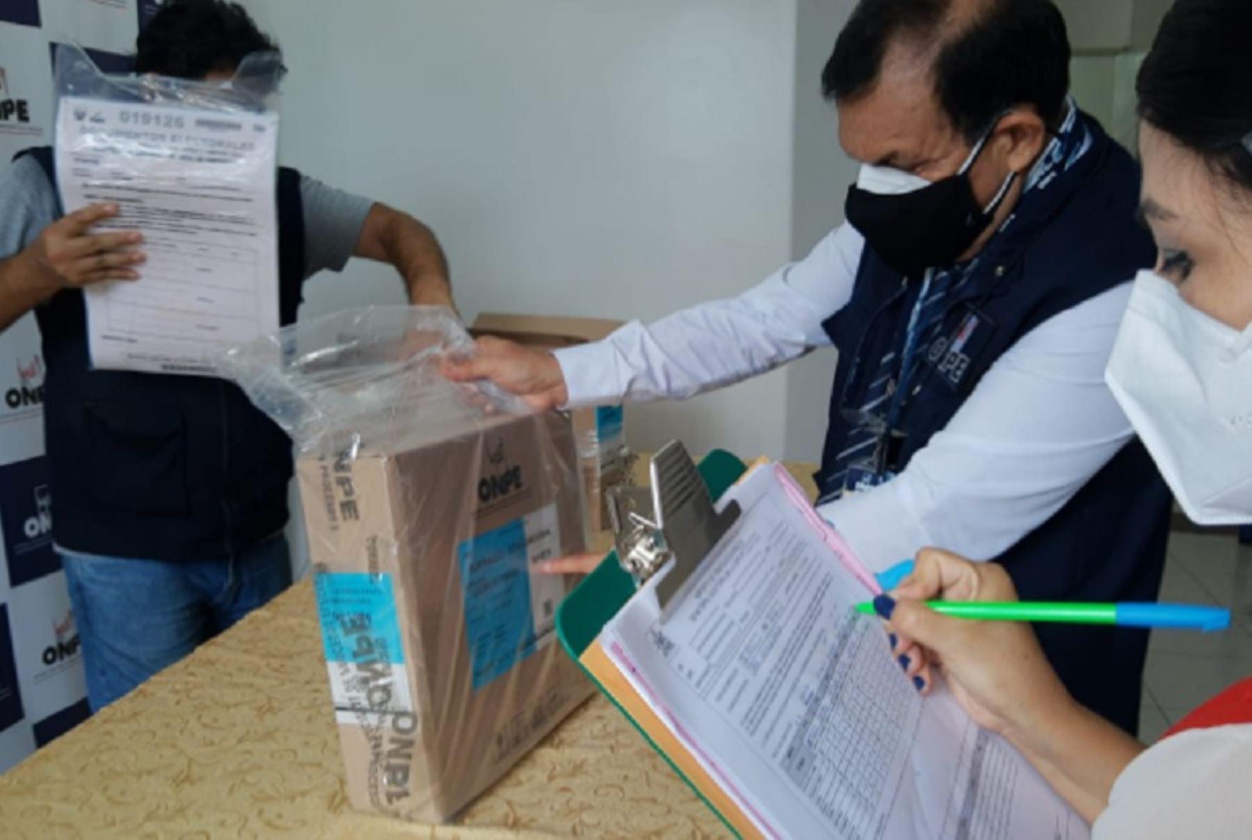 La Oficina Descentralizada de Procesos Electorales (ODPE) Leoncio Prado y el Jurado Electoral Especial (JEE) de Leoncio Prado verificaron el material electoral que se utilizará en las mesas de sufragio de esta jurisdicción, con motivo del desarrollo de las Elecciones Generales 2021.