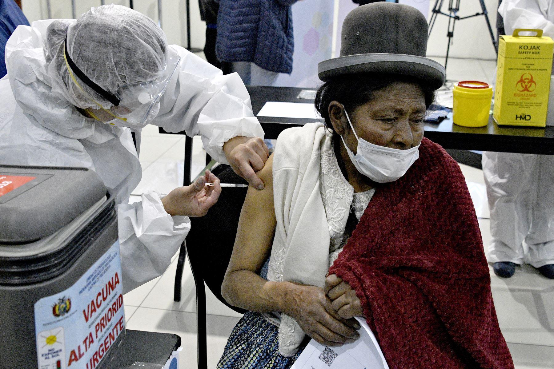 Bolivia, con 11.5 millones de habitantes, acumula más de 273,328 contagiados y más de 12,250 fallecidos. Foto: AFP