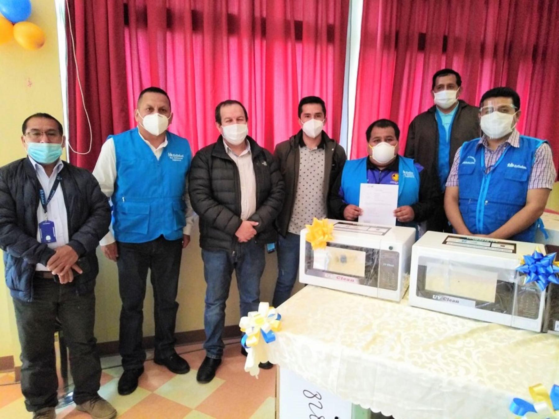 Los desarrolladores, Nery y Nilson, son estudiantes del noveno ciclo de Ingeniería Industrial en la Universidad Antonio Ruiz de Montoya (UARM), ganadores de la Beca 18 del Programa Nacional de Becas y Crédito Educativo (Pronabec) del Ministerio de Educación. Foto: Pronabec