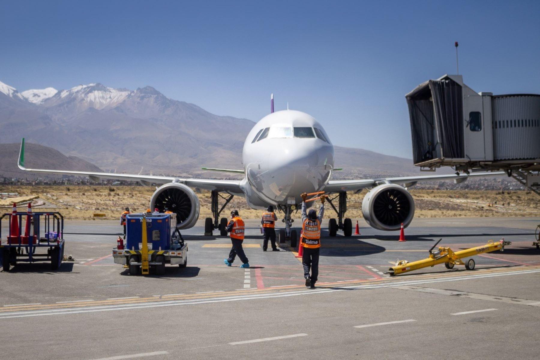 Flujo de pasajeros en aeropuertos del sur se redujo por cerco epidemiológico en Arequipa