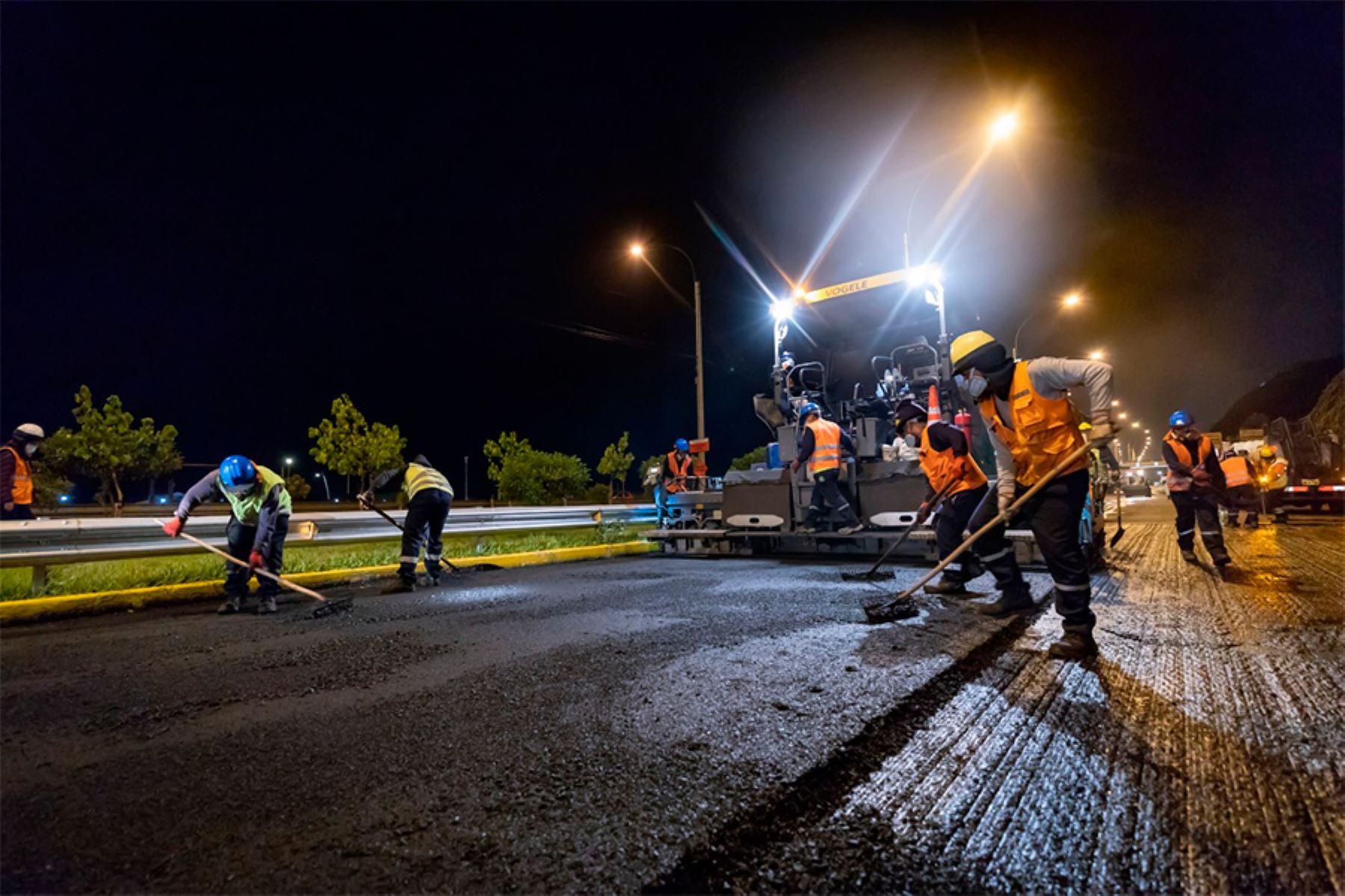 Con una inversión de S/2.8 millones se renovará carpeta asfáltica en 35,402 m2 y se efectuará el pintado de señalización horizontal en 5,100 m2. Foto: ANDINA/MML