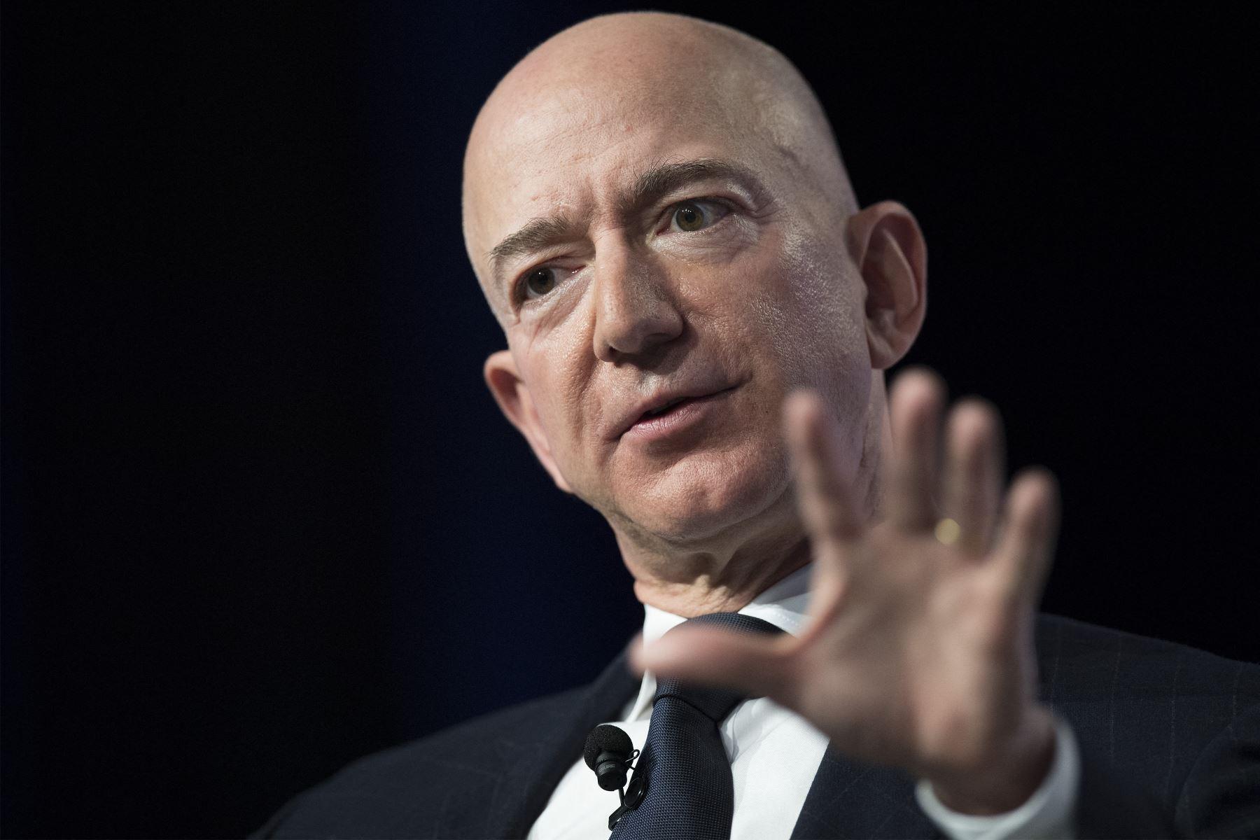 El fundador de Amazon, Jeff Bezos, encabeza por cuarto año consecutivo la lista de las personas más ricas del mundo seguido por el fundador de Tesla, Elon Musk. Foto: AFP