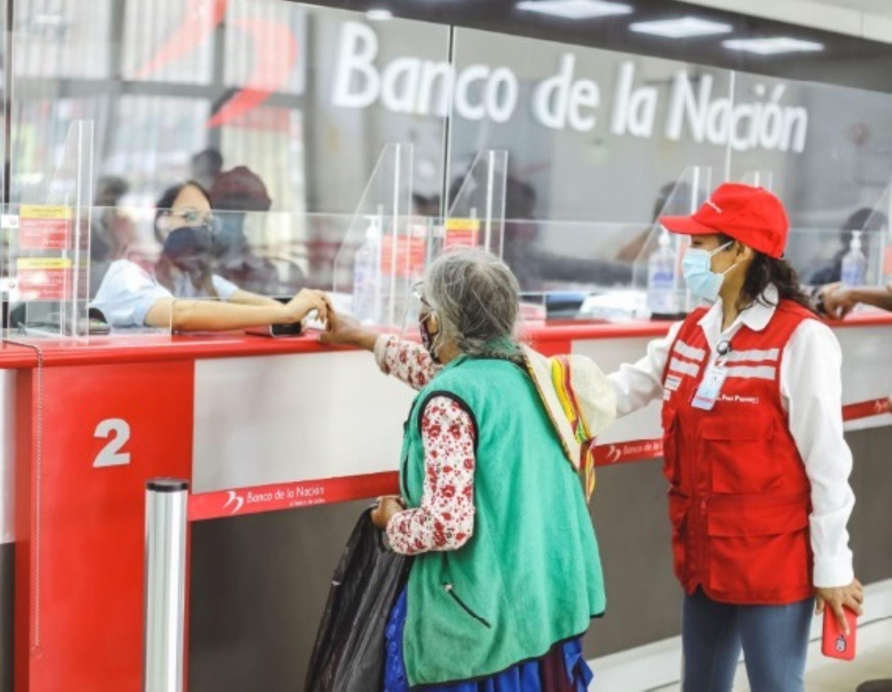 Banco de la Nación ofrece horario especial de atención desde las 6:00 horas en las 10 regiones declaradas en riesgo extremo. ANDINA/Difusión