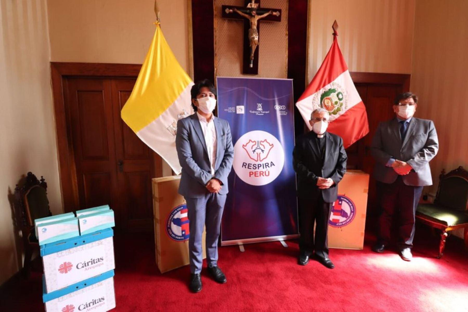 Campaña Respira Perú entregó donación de equipos para luchar contra la covid-19 a hospital Goyeneche de Arequipa