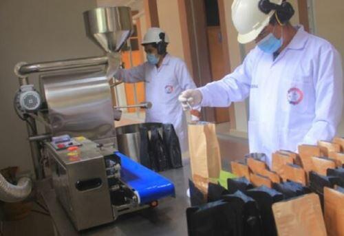 La Comisión Nacional para el Desarrollo y Vida sin Drogas (Devida) y la municipalidad distrital de Monzón firmaron una alianza para mejorar la cadena de valor del café, en el marco del Programa de Desarrollo Alternativo Integral y Sostenible (Pirdais).