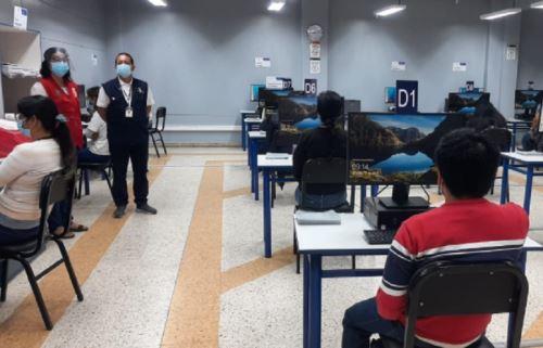 La Oficina Descentralizada de Procesos Electorales de Trujillo puso a prueba la puesta en cero de sus dos salas de cómputo, instaladas con el objetivo de procesar las actas de 2,188 mesas de sufragio durante los comicios de mañana.