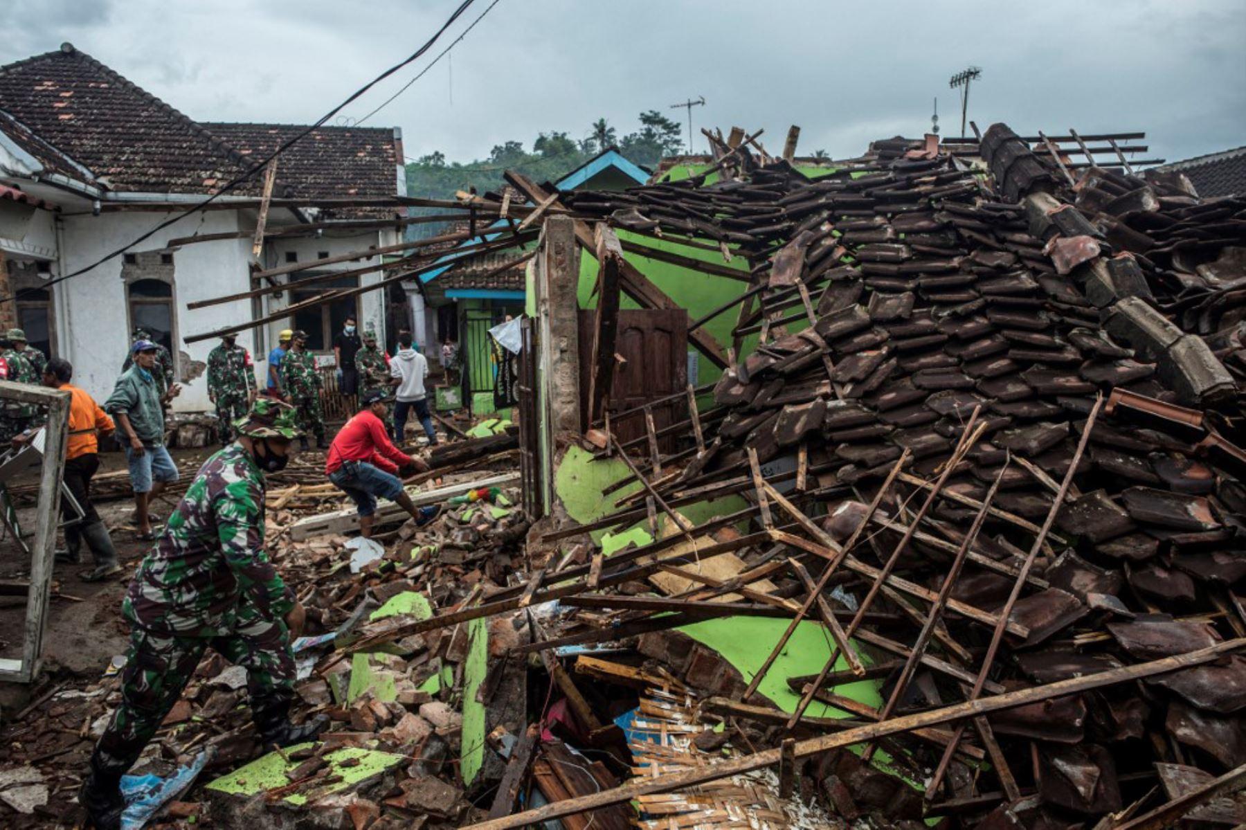 Terremoto de magnitud 6,1 sacude el centro del archipiélago indonesio