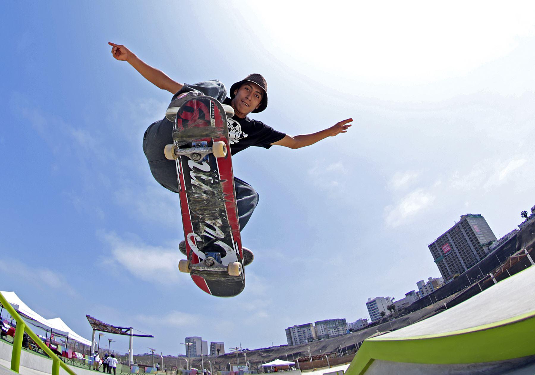 Skateboarding, skate