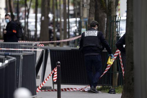 Tiroteo frente a un hospital de París deja al menos un muerto y un herido