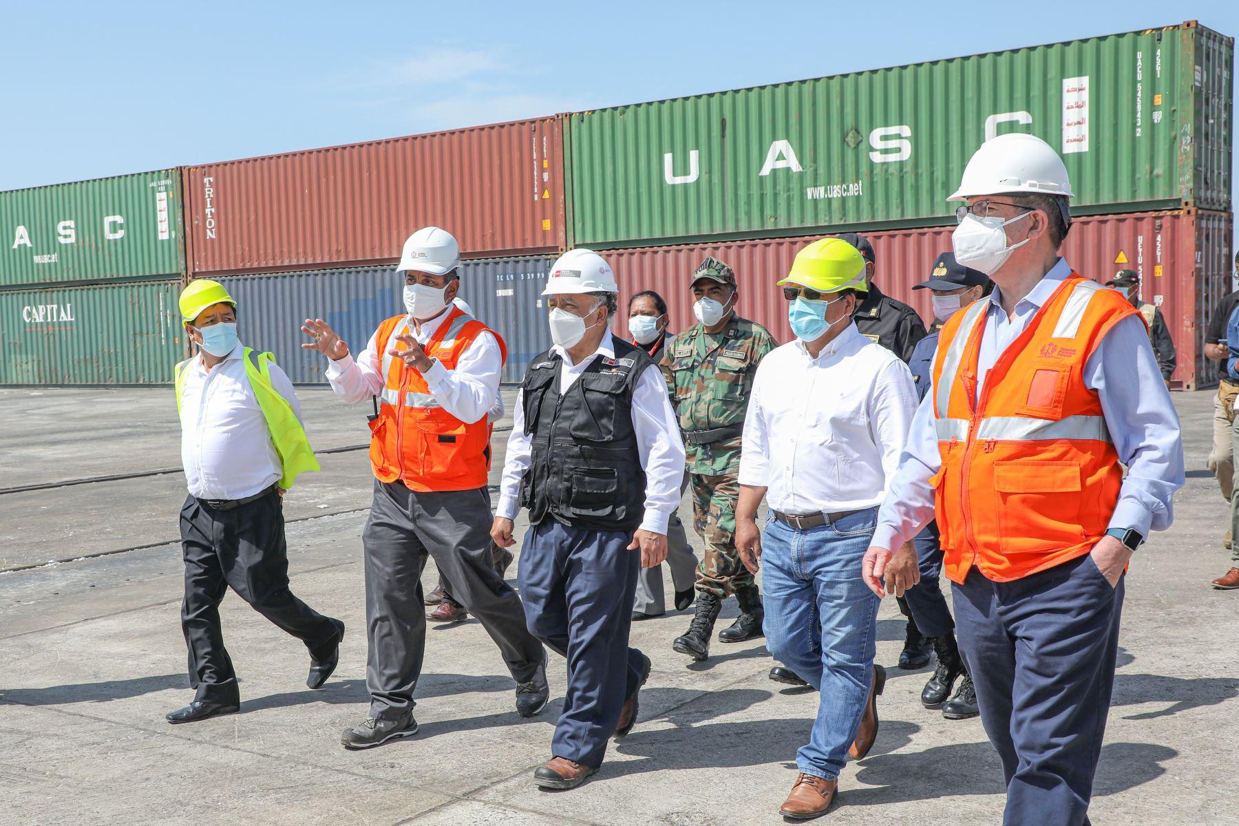 El ministro de Transportes y Comunicaciones Eduardo González, participo en la recepción de obras y en el inicio formal de operaciones del nuevo Terminal Portuario General San Martín en Pisco.Foto: ANDINA/ MTC