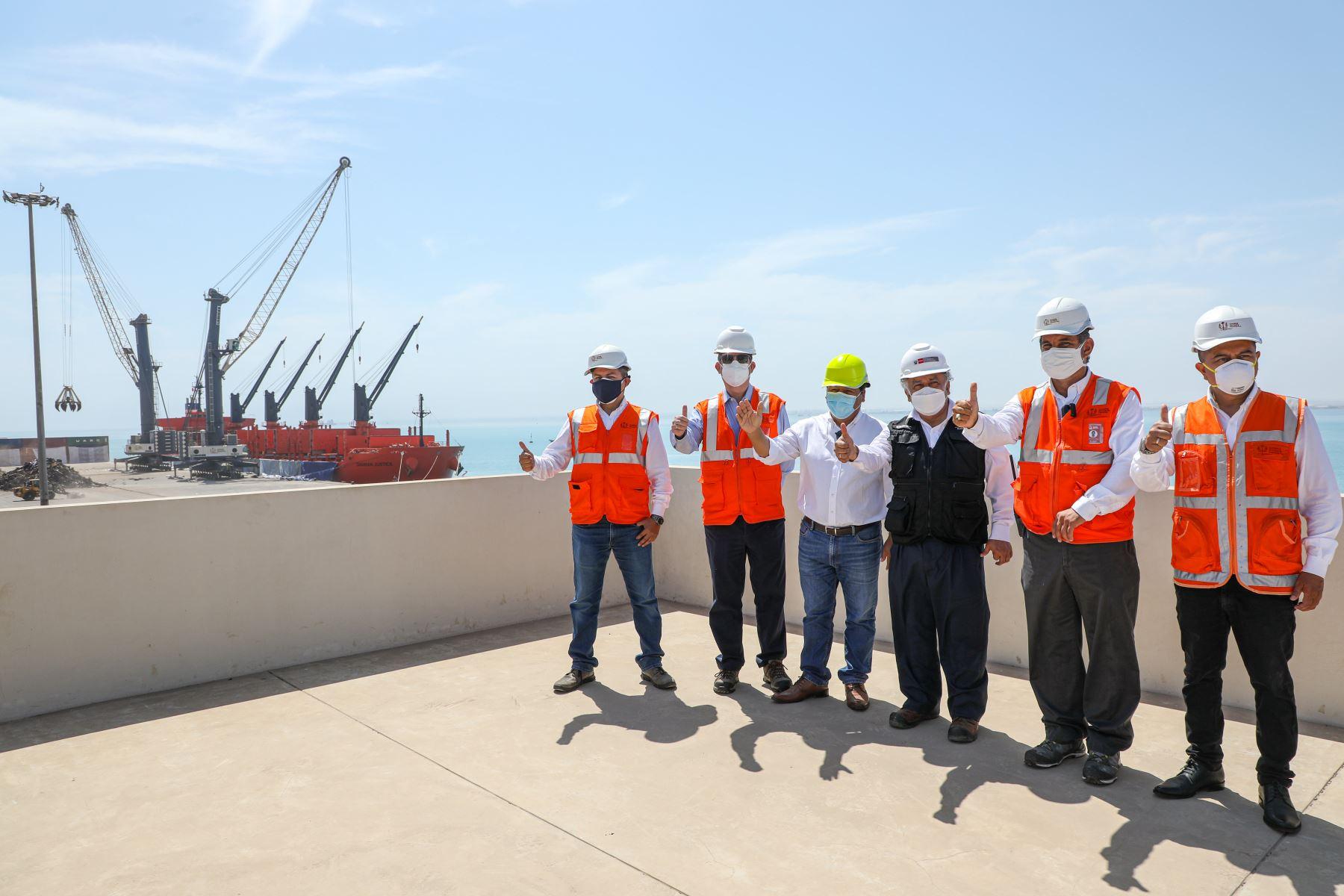 El ministro de Transportes y Comunicaciones Eduardo González, participo en la recepción de obras y en el inicio formal de operaciones del nuevo Terminal Portuario General San Martín en Pisco. Foto: ANDINA/ MTC