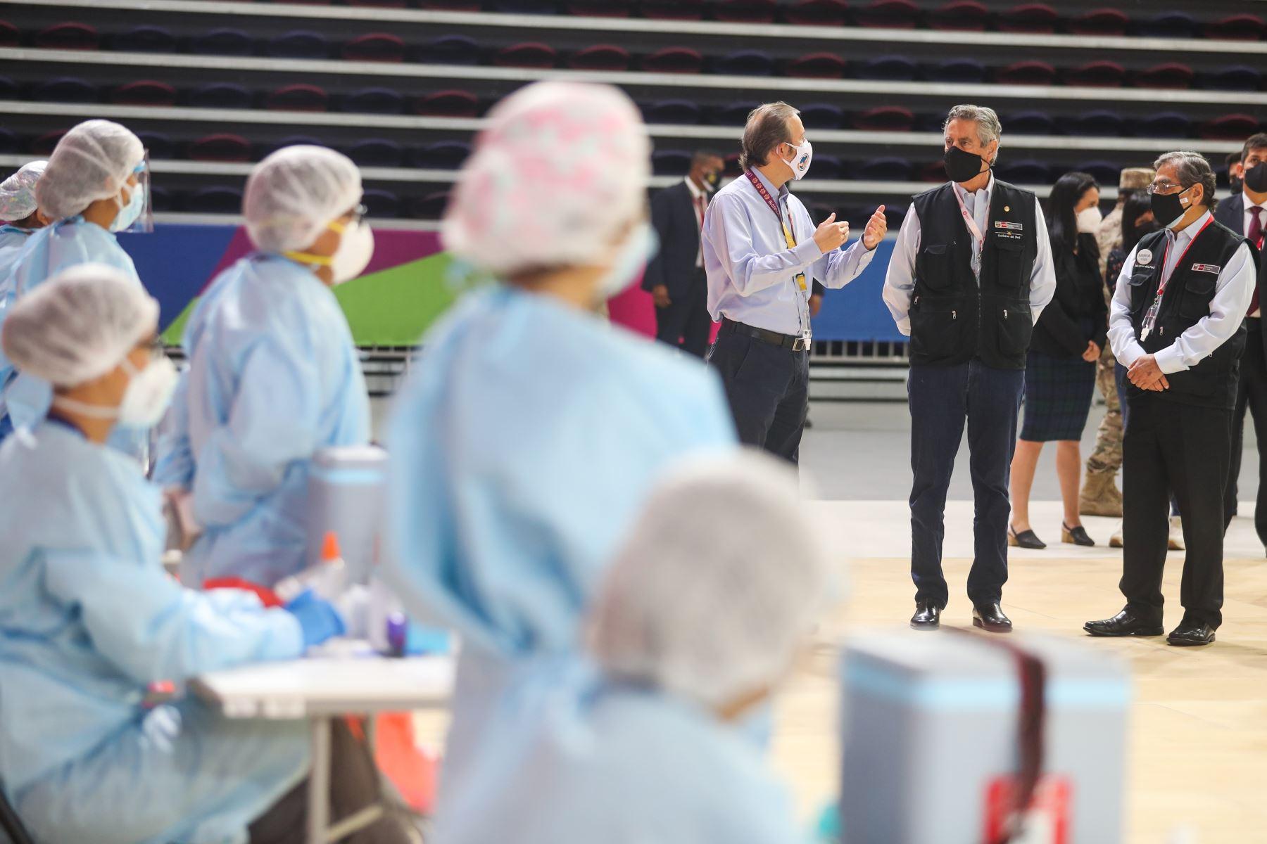 El presidente de la República, Francisco Sagasti, presenta el nuevo plan de vacunación contra la covid-19 que se iniciará el próximo 16 de abril. Foto: ANDINA/Prensa Presidencia