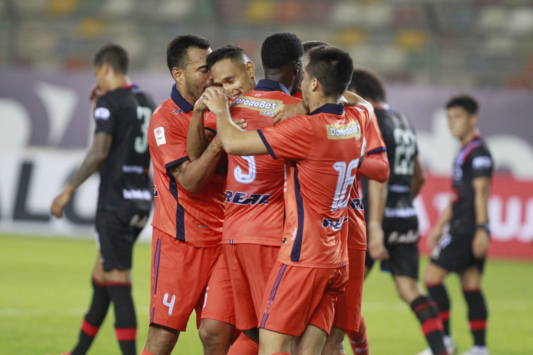 Osnar Noronha de César Vallejo , celebra su gol ante  el club Carlos Manucci  por la cuarta fecha de la Liga 1, en el el estadio Monumental. Foto: Liga 1