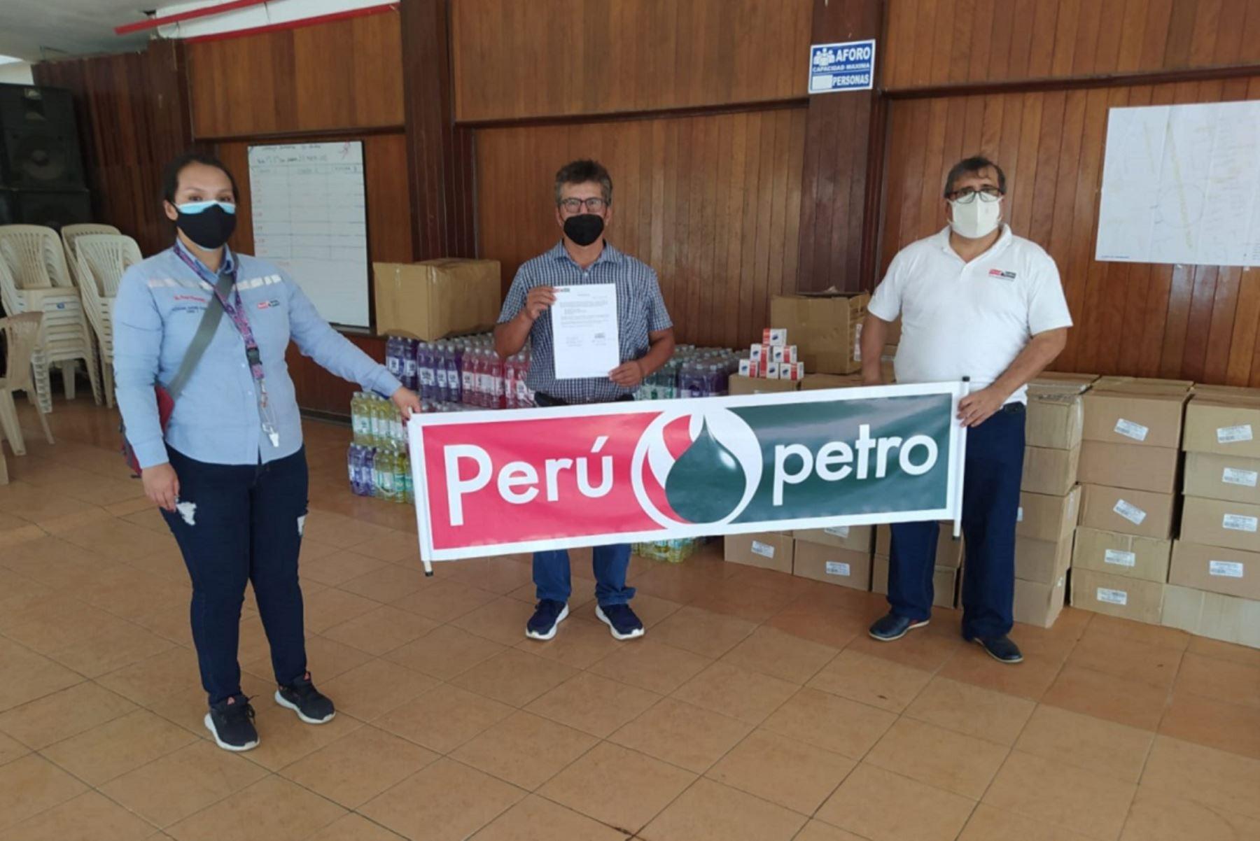 Donación de kits sanitarios. Foto: Cortesía.