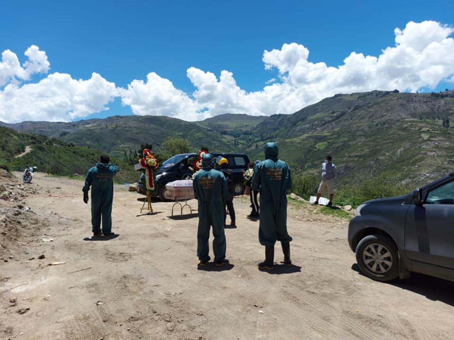 En solo 14 días de abril han fallecido 329 personas a causa de la covid-19 en la región Áncash, reveló la Diresa. ANDINA/Difusión