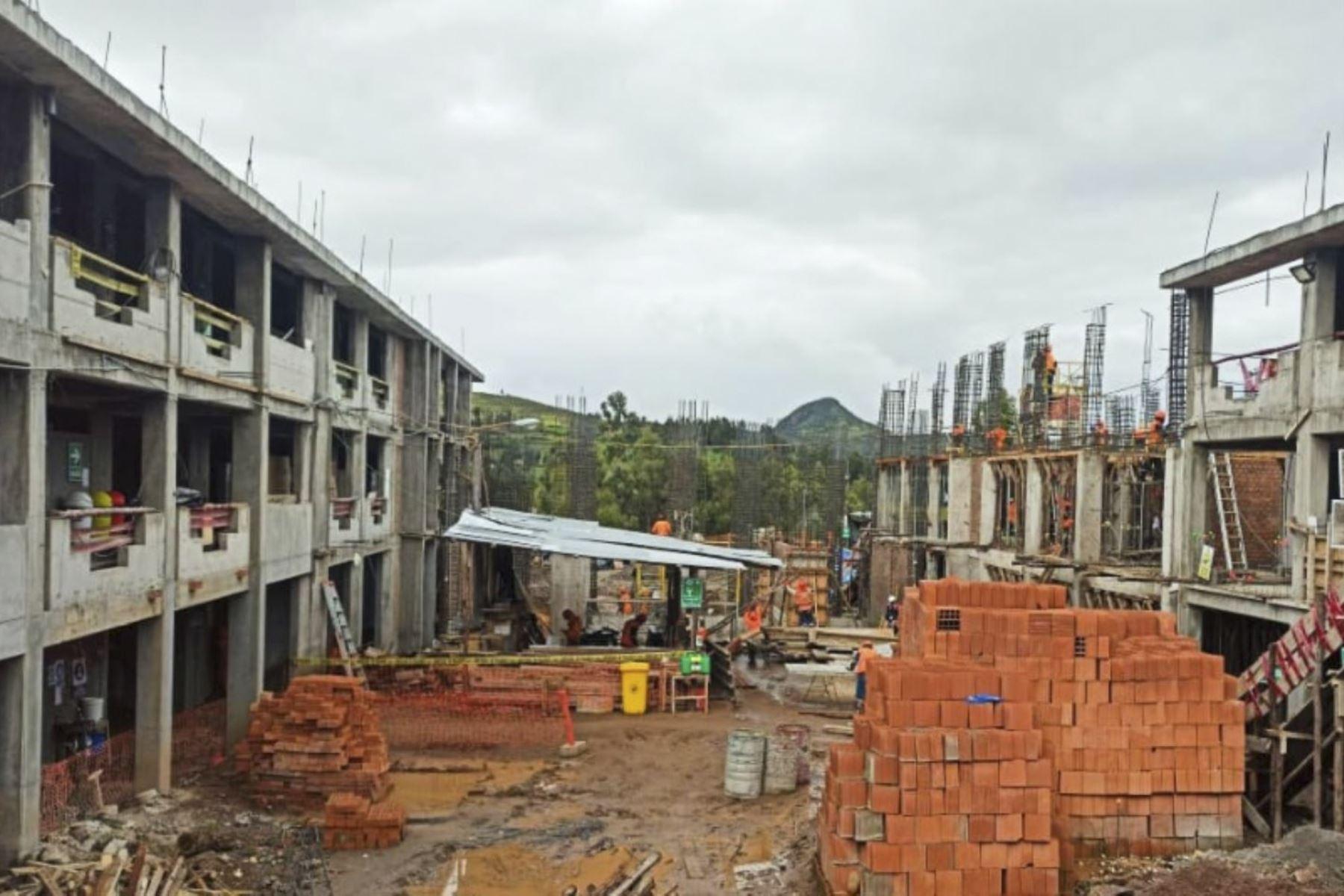 Gobierno Regional de Ayacucho resaltó los avances en construcción de colegio emblemático en Vilcashuamán.