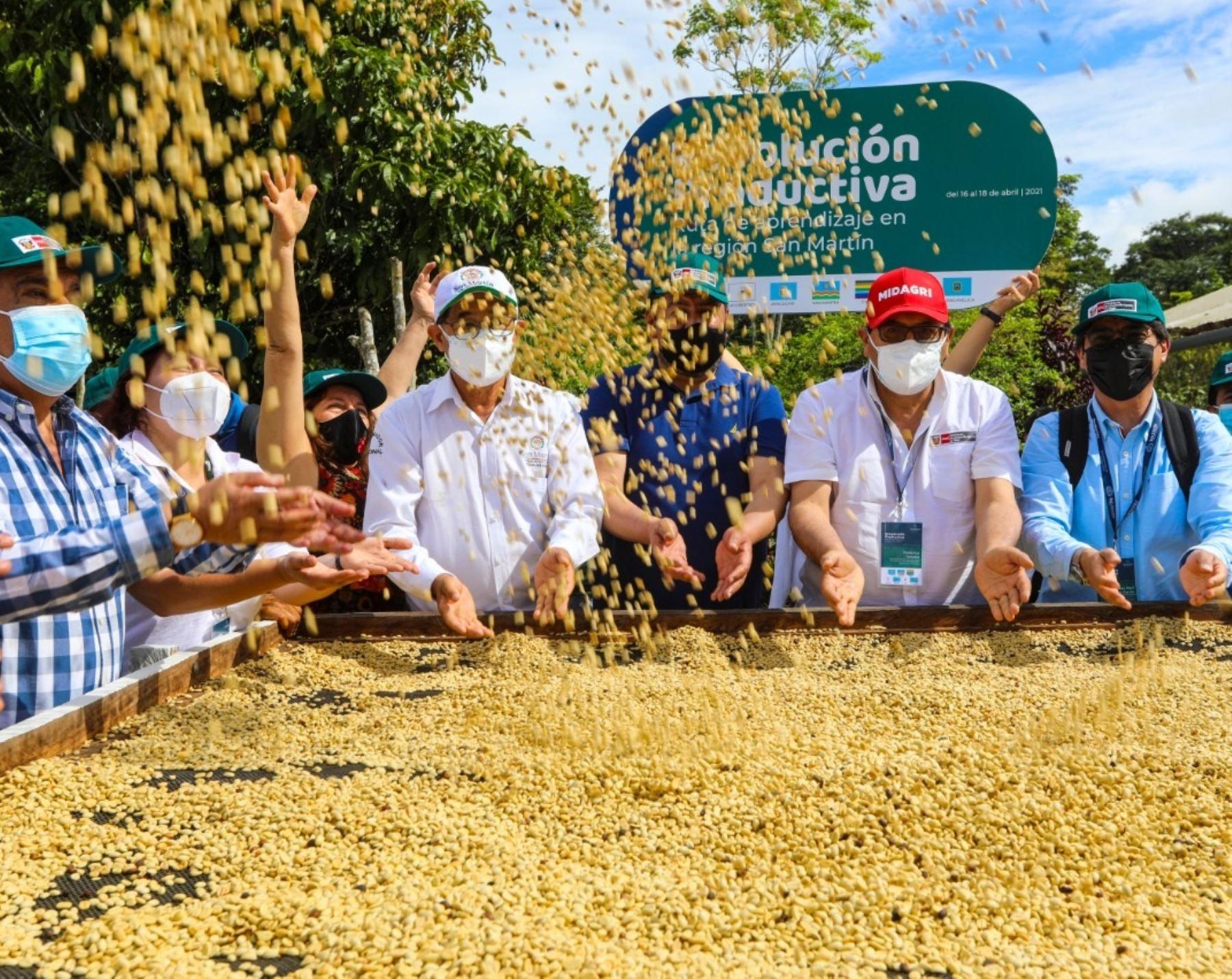 Ministerio de Desarrollo Agrario y Riego lanza en San Martín iniciativa para potenciar cultivos de calidad en regiones y capacitar a gobernadores y funcionarios regionales. ANDINA/Difusión
