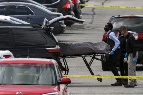 """La policía federal, el FBI, consideró que es """"prematuro especular"""" sobre el móvil del autor de los disparos, y la compañía no indicó si se trataba de uno de sus empleados. Foto: AFP."""