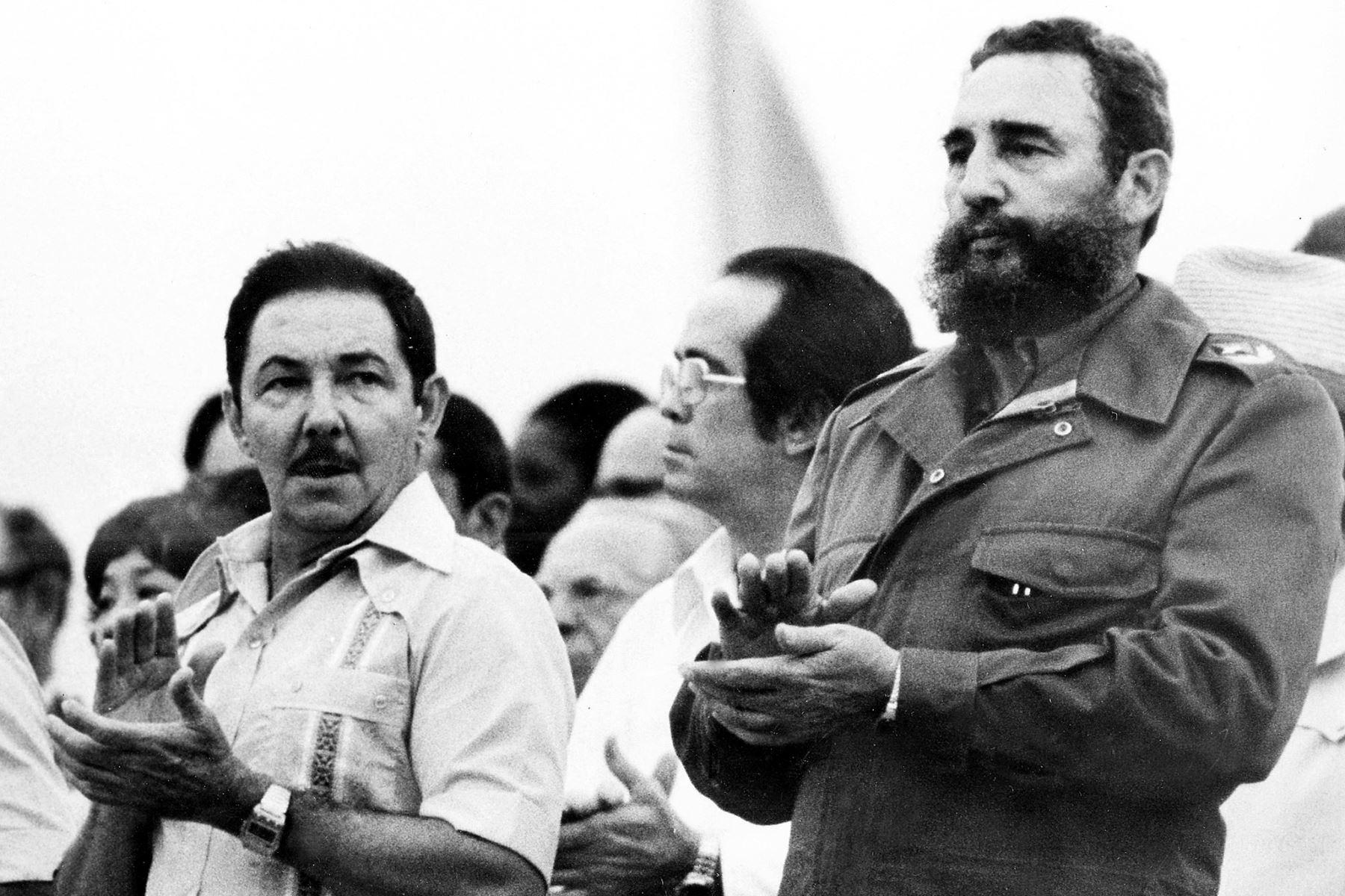 """Símbolos de una era en Cuba, los hermanos Castro llevaron adelante la llamada """"revolución"""" con un sistema comunista que pocos países han igualado. Foto: AFP"""