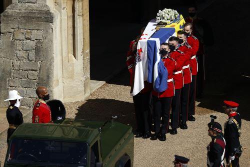 Familia real británica da último adiós a Felipe de Edimburgo