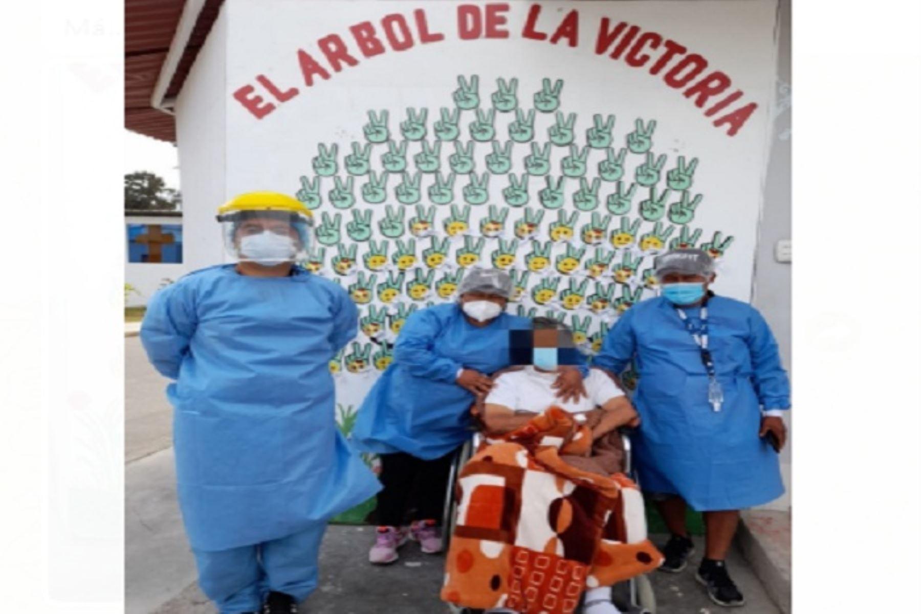 Pacientes agradecieron al personal de Salud del hospital La Caleta por sus atenciones.