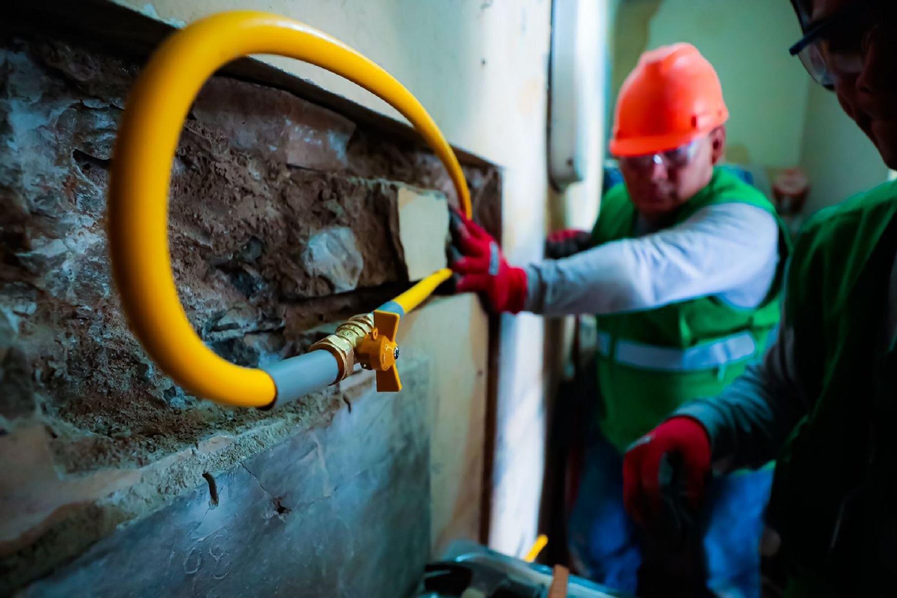 Conexión al abastecimiento de gas natural. ANDINA/Difusión