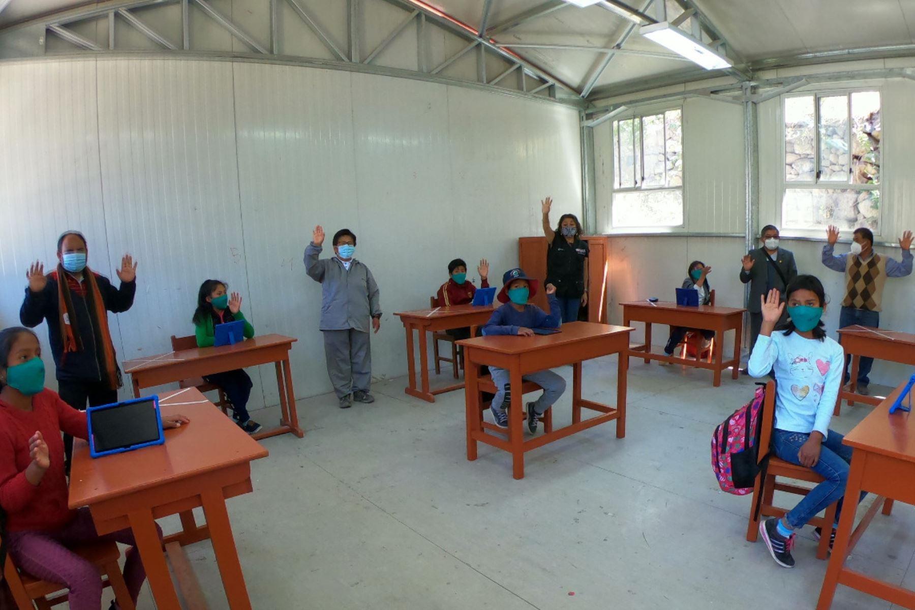 Las instituciones educativas que reanudaron hoy las clases semipresenciales pertenecen a las UGEL de Castilla, La Unión, Caravelí e Islay. Foto: ANDINA/Minedu
