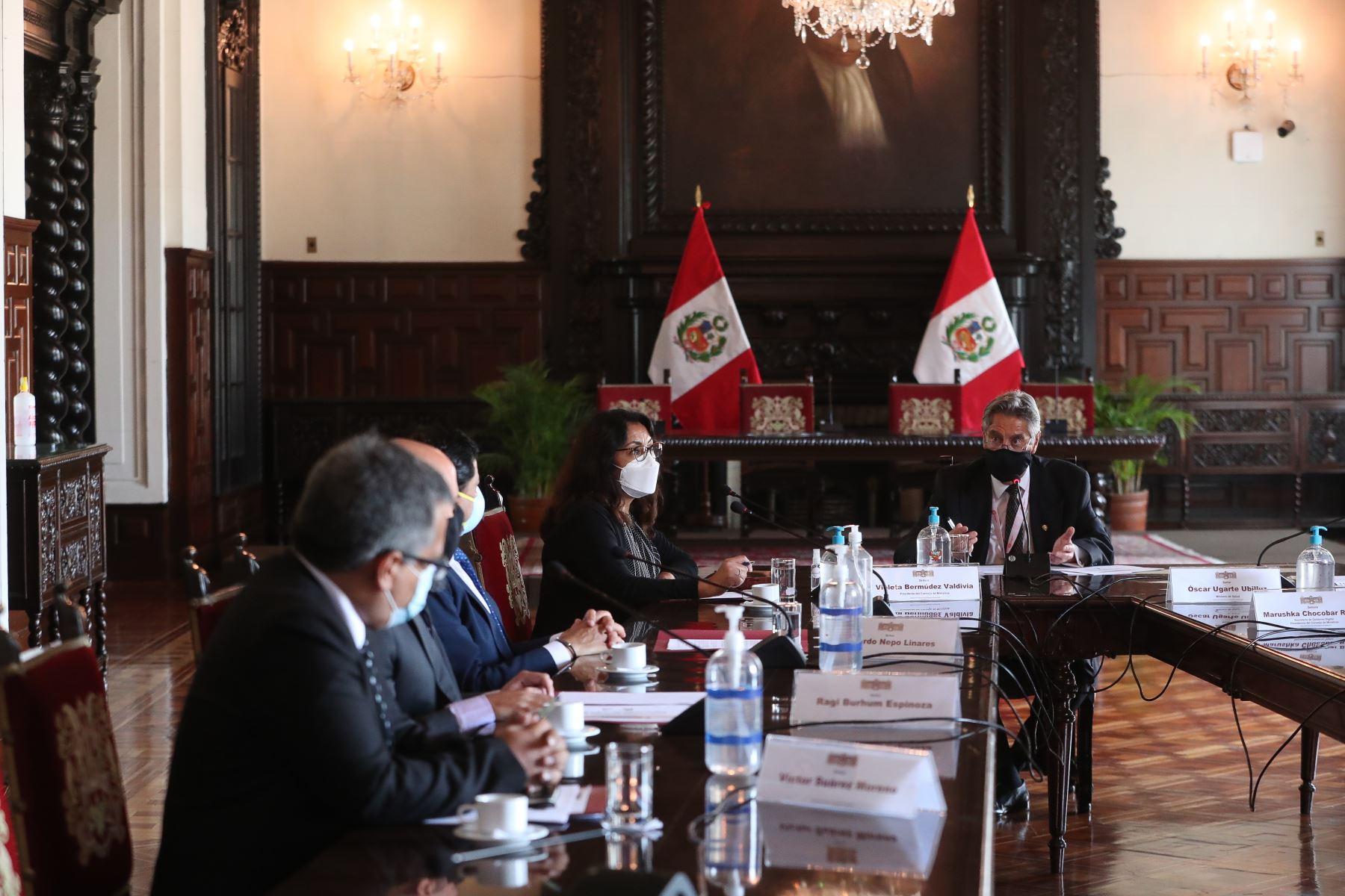 El presidente de la República Francisco Sagasti , encabezó la instalación del grupo de trabajo técnico con el objeto de proponer los criterios para actualizar la cifra de fallecidos por la Covid 19. Foto: PCM