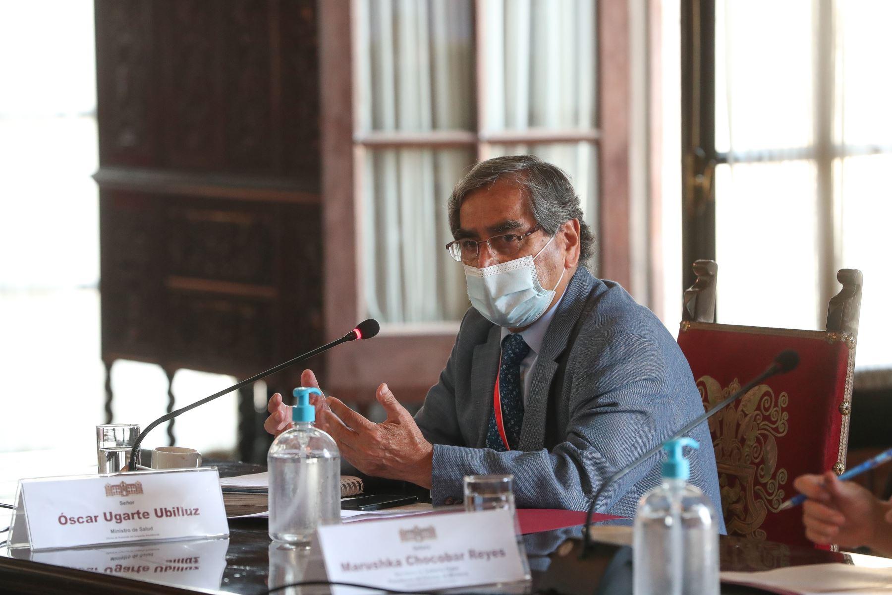 Ministro de Salud, Oscar Ugarte, participa de la instalación del grupo de trabajo técnico con el objeto de proponer los criterios para actualizar la cifra de fallecidos por la Covid 19. Foto: PCM