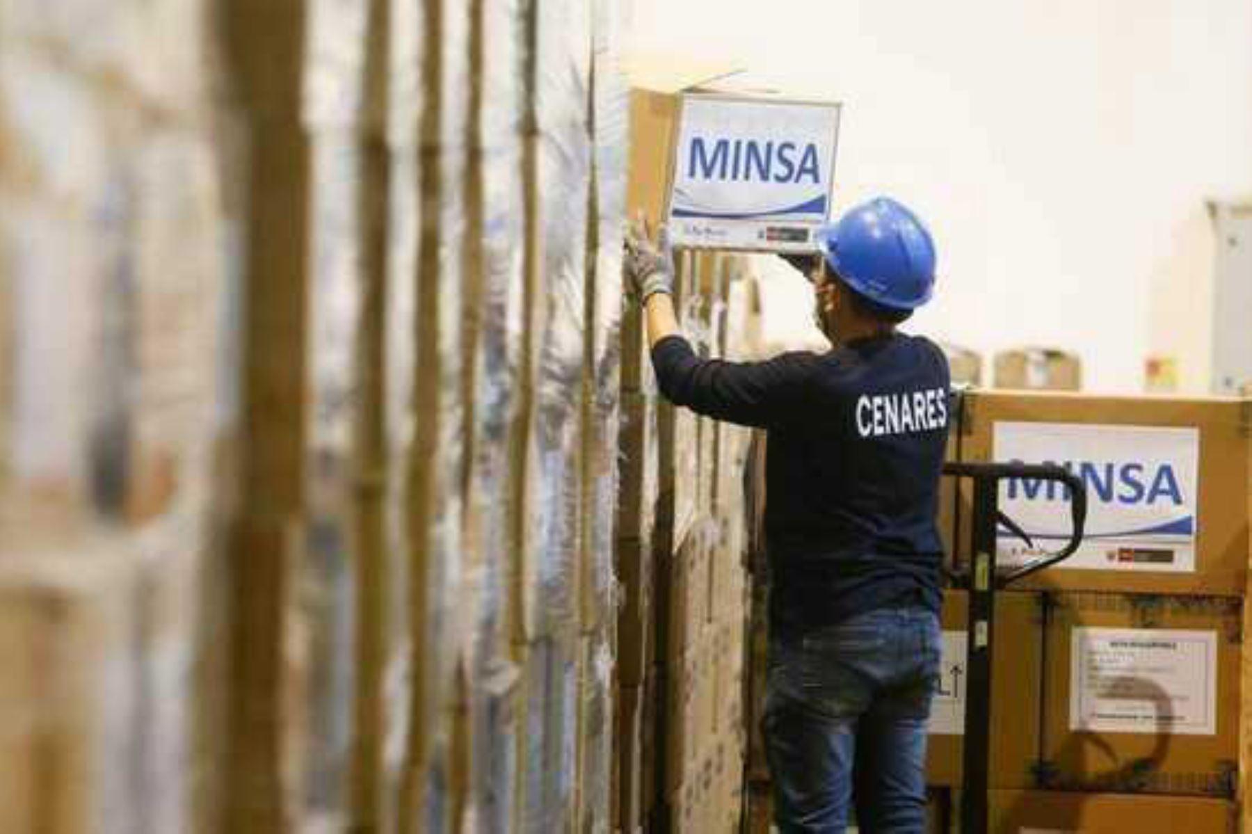 Se espera el arribo de nuevos cargamentos para mantener abastecidos los establecimientos de salud, con énfasis en los que están ubicados en las zonas de mayor impacto de la segunda ola pandémica del covid-19. Foto: ANDINA/Minsa