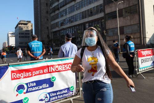 Municipalidad de Lima supervisa uso de protección facial