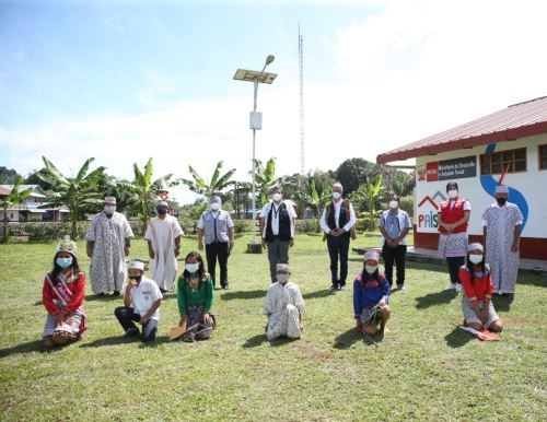 El Gobierno puso en marcha en Ucayali el renovado esquema de Aprendo en casa que se implementa en zonas rurales de diversas regiones con la ayuda de los Tambos. ANDINA/Difusión