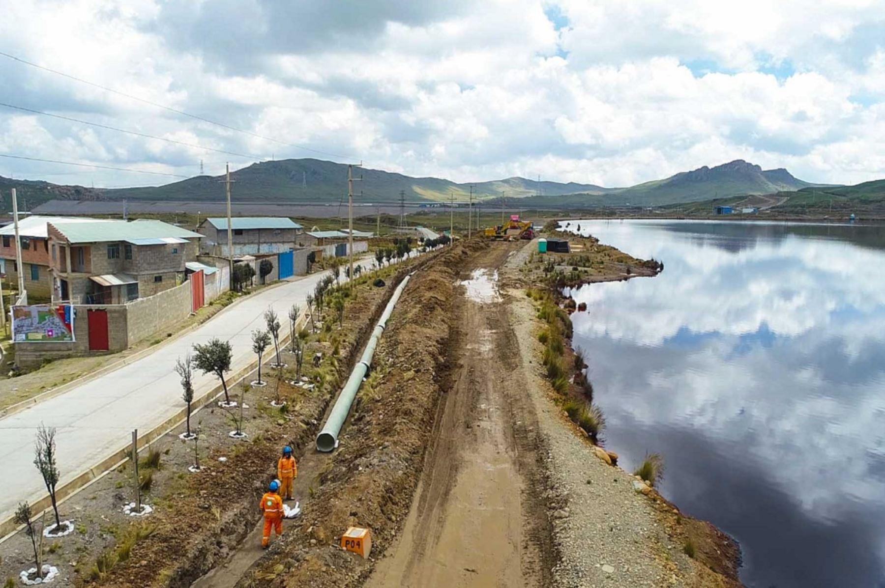 Trabajos para evitar desembalse de relavera Quiulacocha, región Pasco. Foto: cortesía.