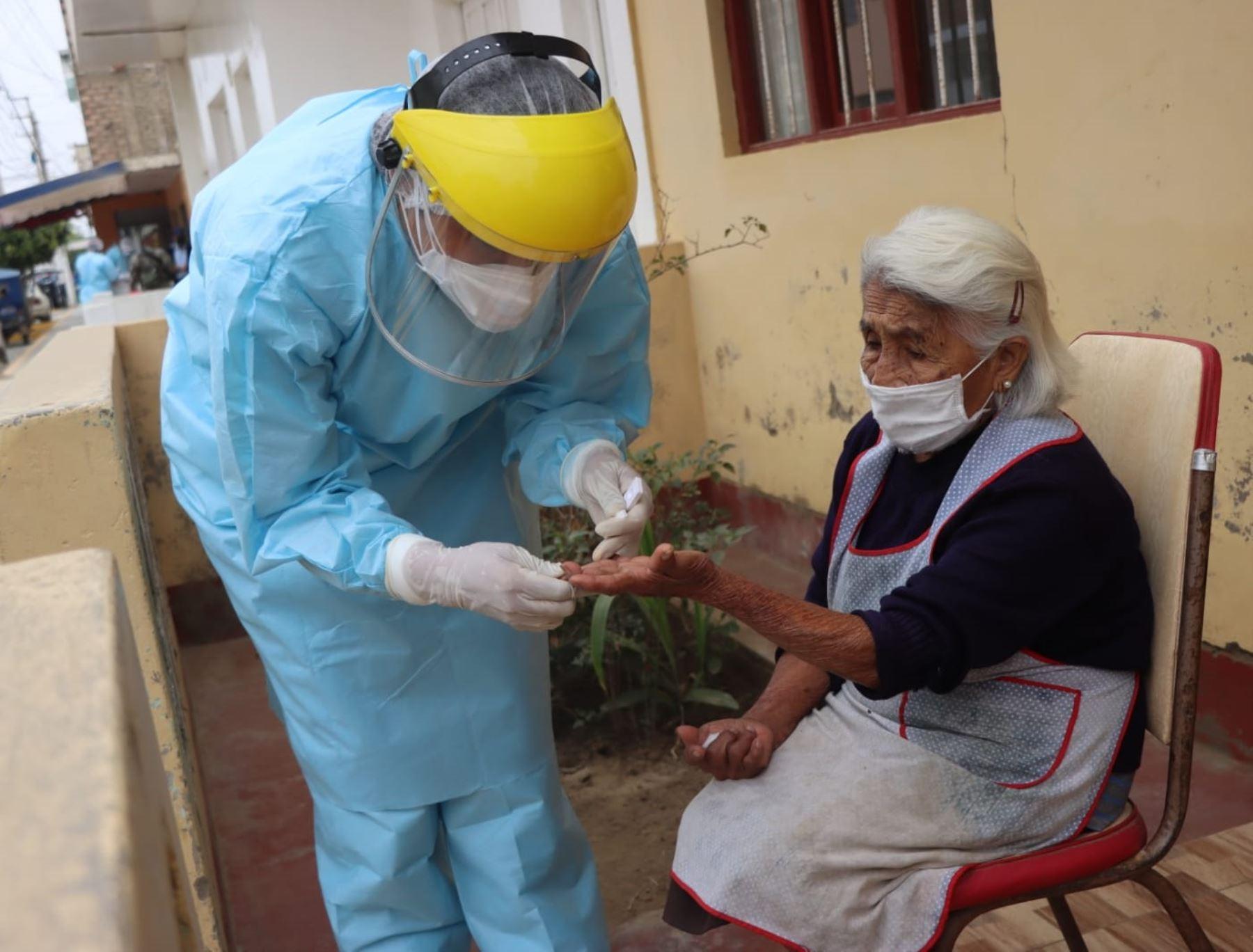 Áncash se prepara para vacunar contra la covid-19 a más de 70,000 adultos mayores. Jornada se desarrollará en las principales ciudades de dicha región. ANDINA/Difusión