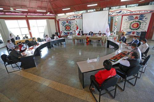 El presidente de la República Francisco Sagasti sostuvo una reunión de trabajo con autoridades de la región Ayacucho