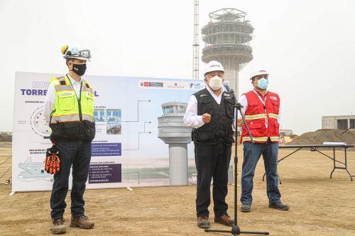 Ministro de Transportes y Comunicaciones inspecciona los trabajos de ampliación del Aeropuerto Internacional Jorge Chávez