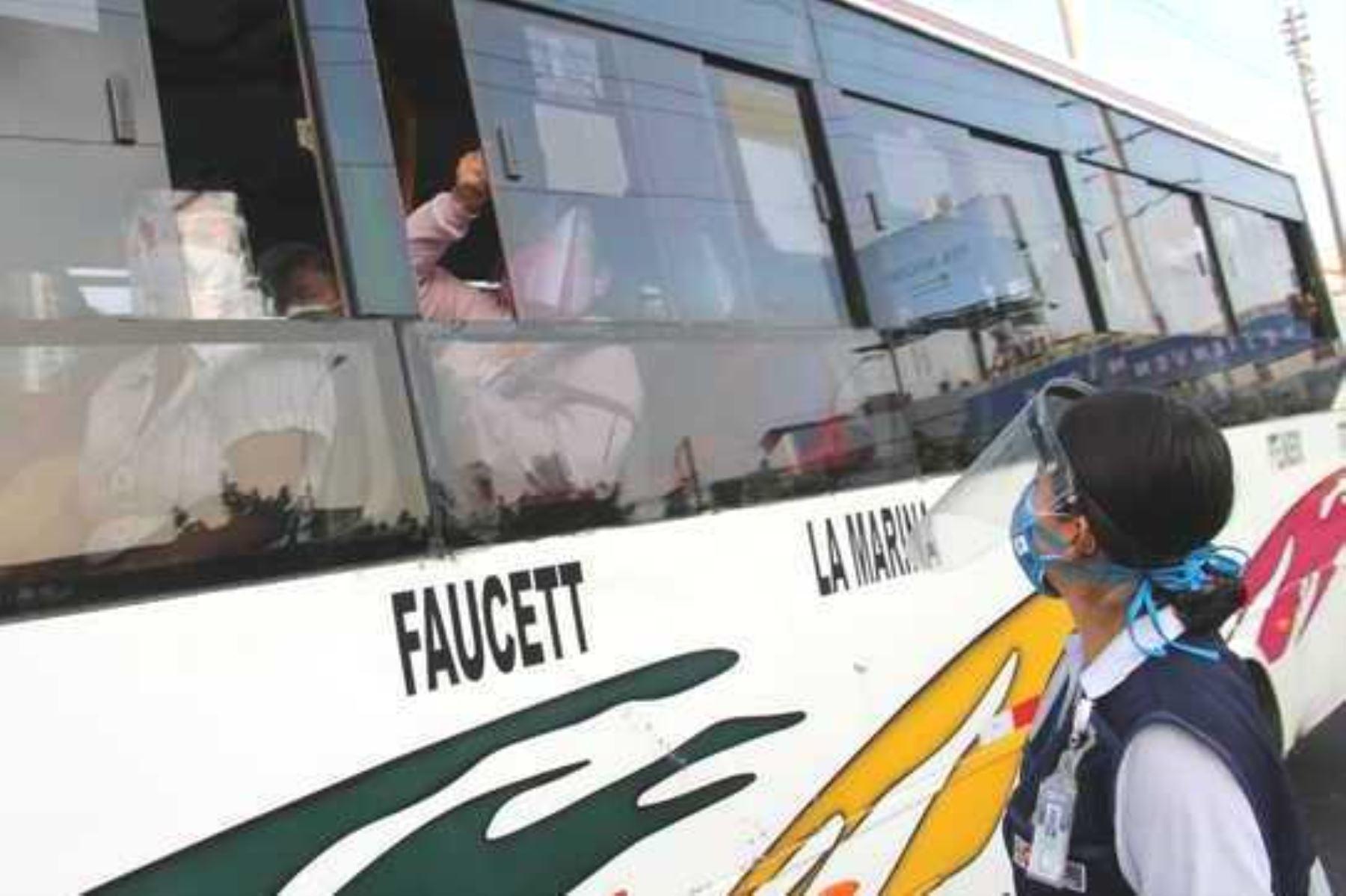 Covid-19: unidades de transporte público deben mantener las ventanas abiertas. Foto: ANDINA/Difusión.