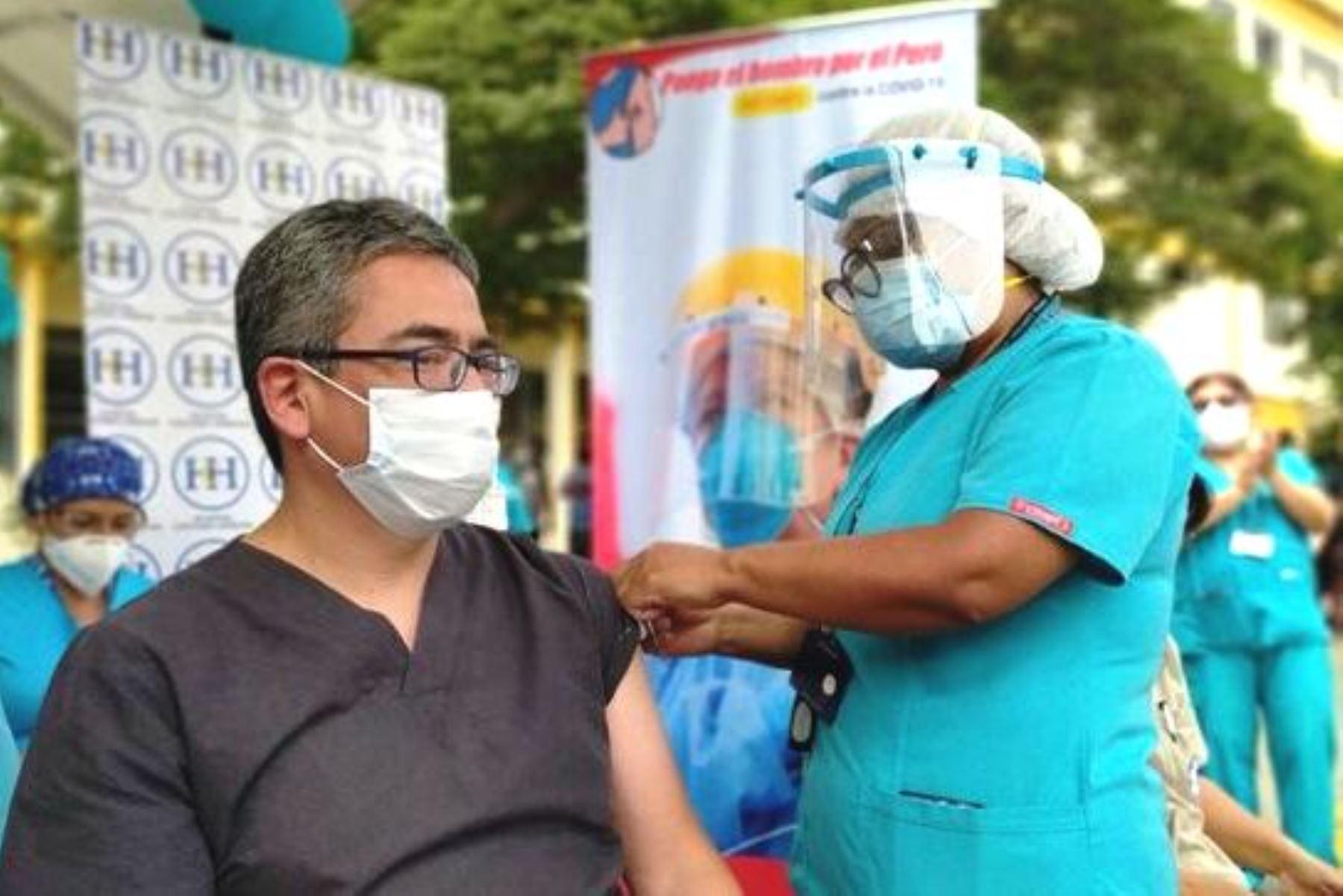 Covid-19: bajan contagios entre personal del hospital Cayetano Heredia tras vacunación. Foto: ANDINA/Difusión.