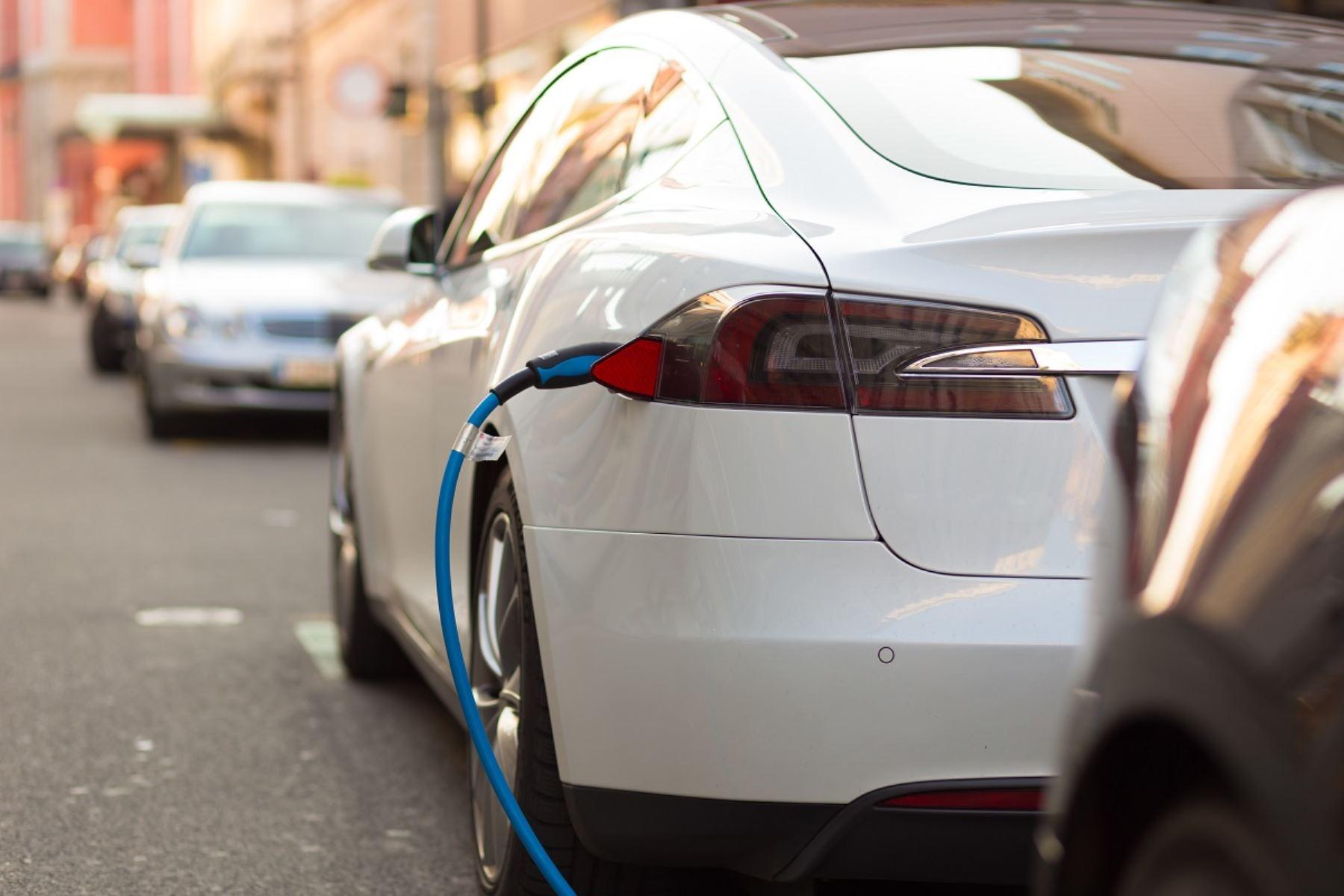 Futuro de movilidad urbana será con vehículos autónomos y electrificados