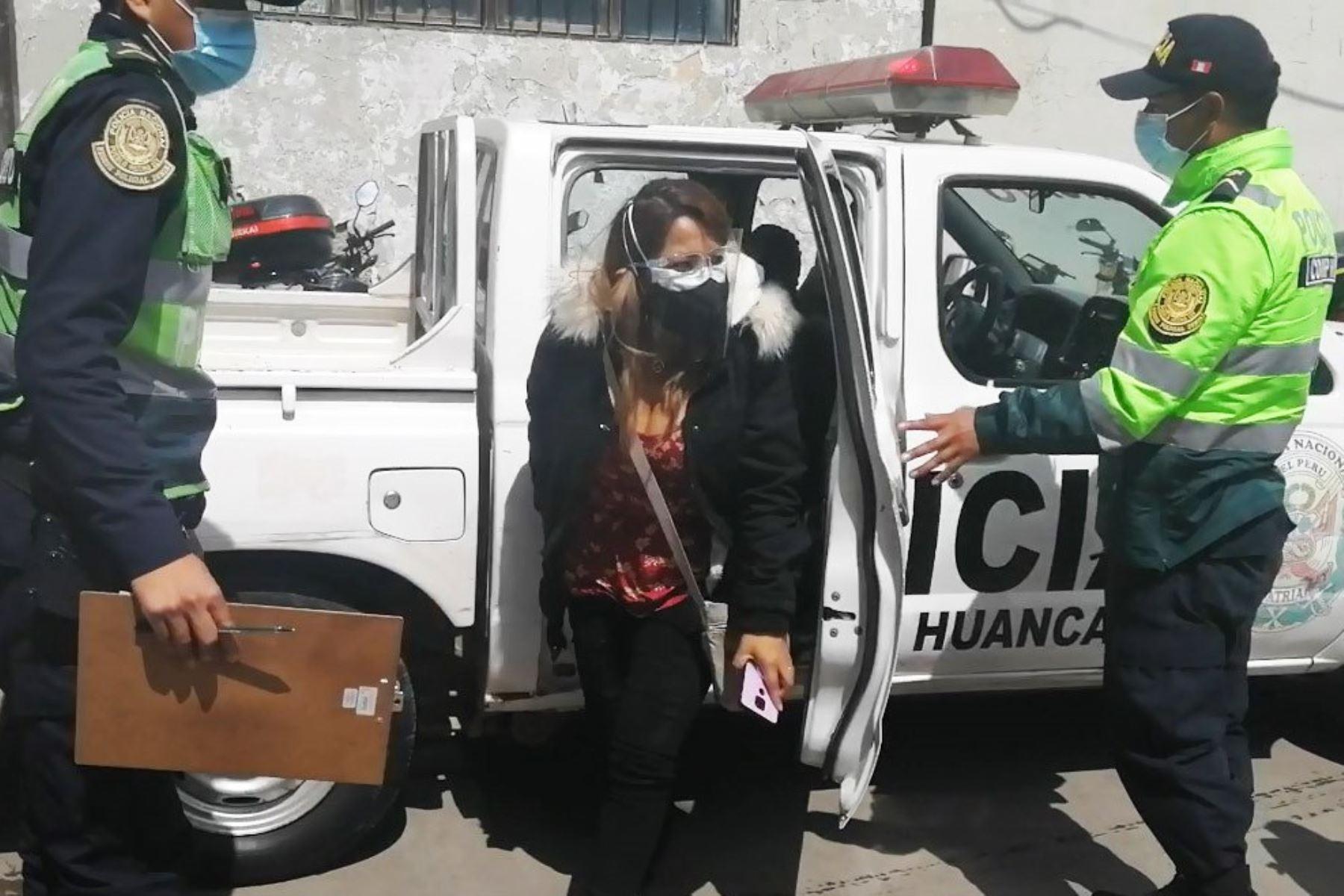 Natali Palomino Sánchez fue acusada de estafa por ofrecer cama UCI a cambio de 4,000 soles en el hospital Carrión, de Huancayo. Foto: ANDINA/difusión.