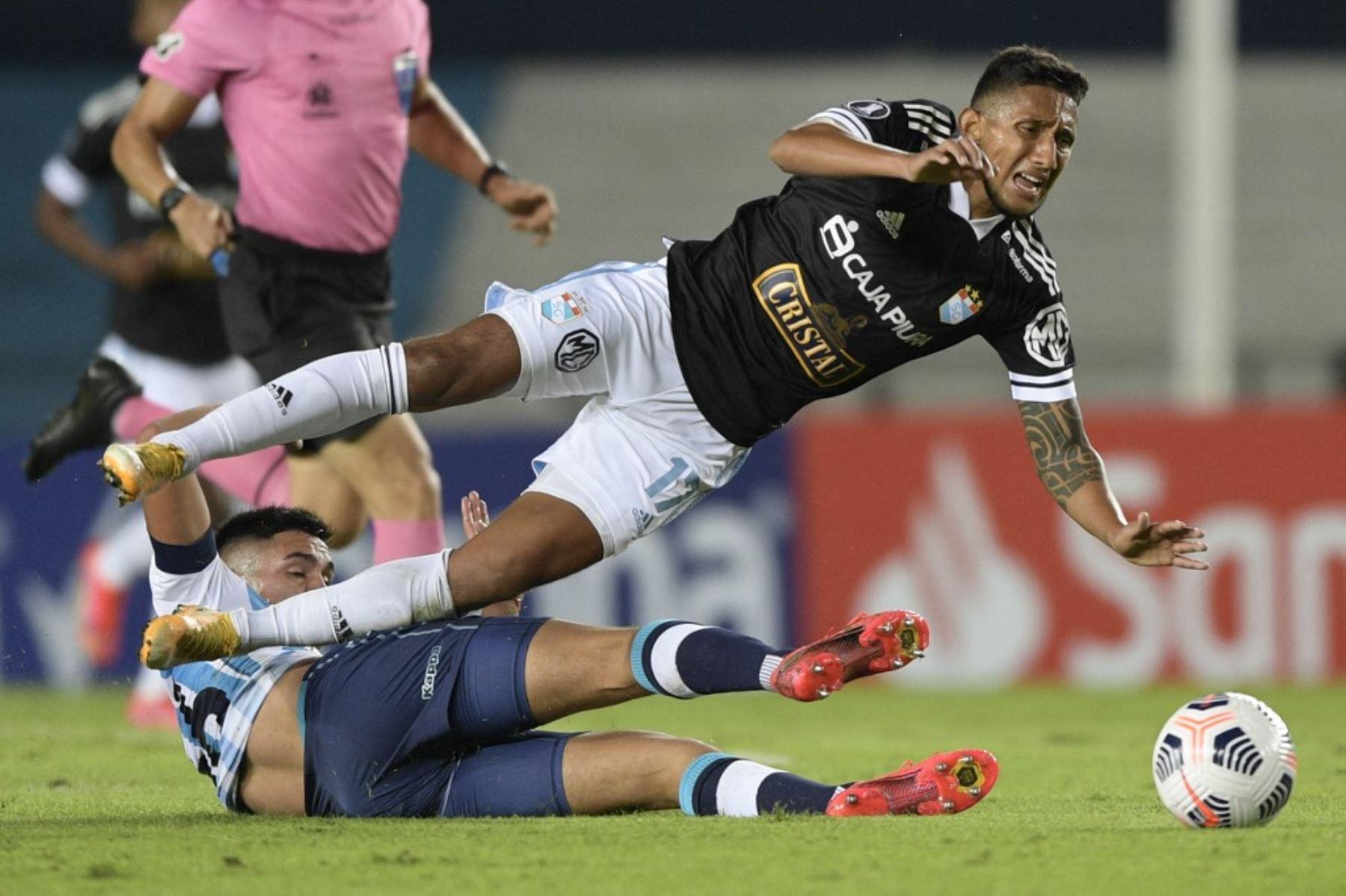 Cristal cayó 2-1 ante el Racing en Avellaneda por el Grupo E de la Copa Libertadores