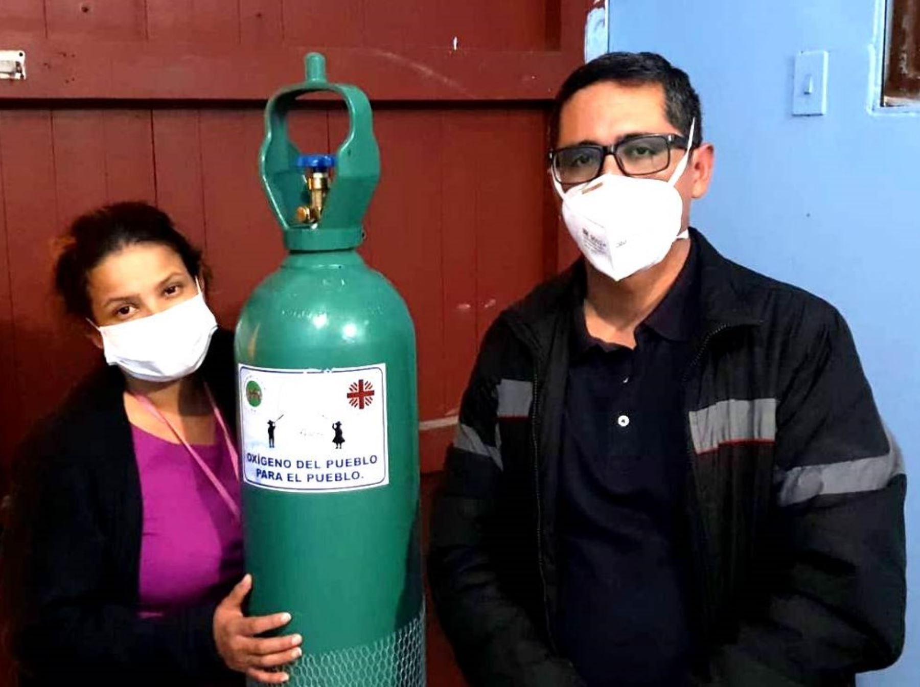 Juan Carlos Pérez, el sacerdote de Cajamarca que socorría con oxígeno a pacientes se contagió con la covid-19. ANDINA/Difusión