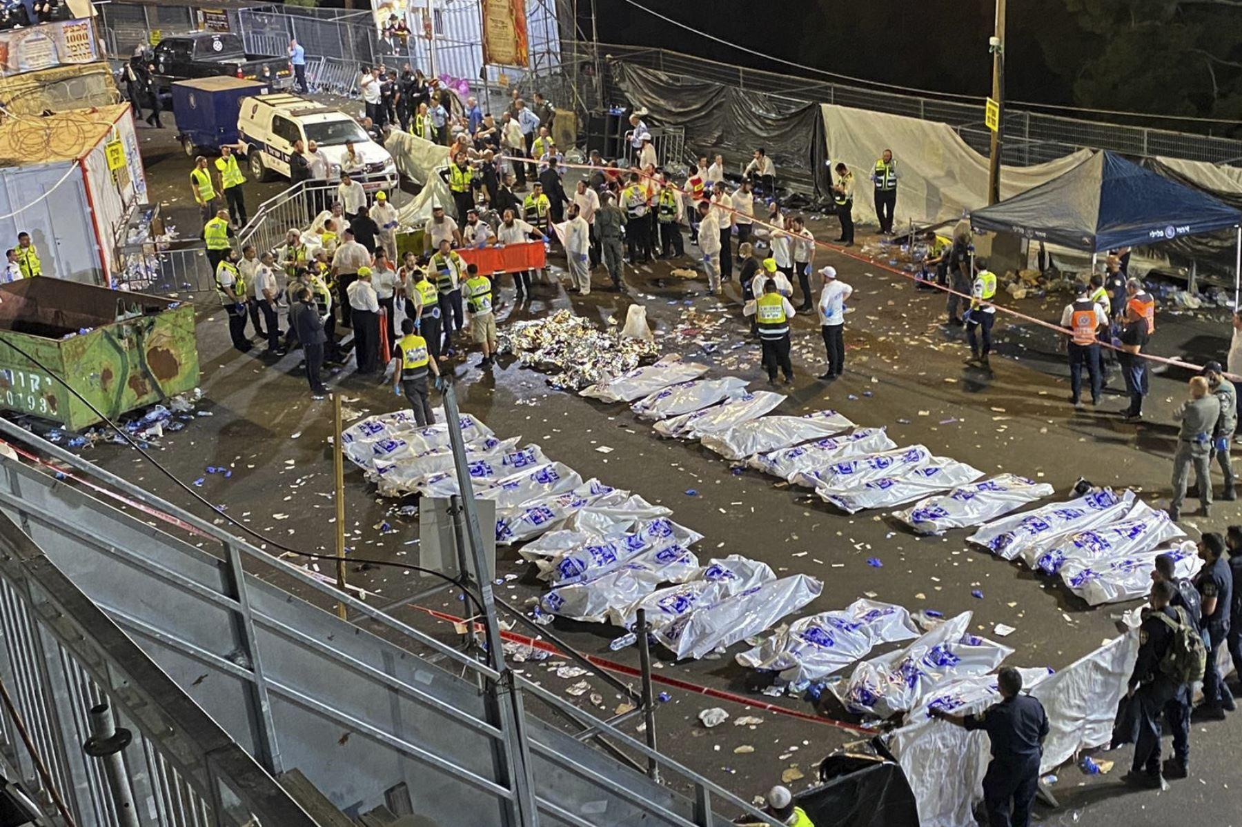 """Muchas personas murieron aplastadas, incluido los niños"""", añadió y muchas de las víctimas aún no han sido identificadas. Foto: AFP"""