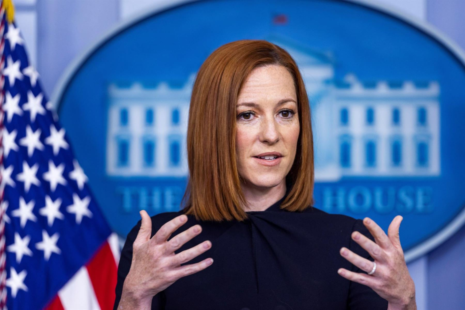La portavoz de la Casa Blanca, Jen Psaki, habla en su rueda de prensa en Washington (EE. UU.), hoy 23 de abril del 2021.
