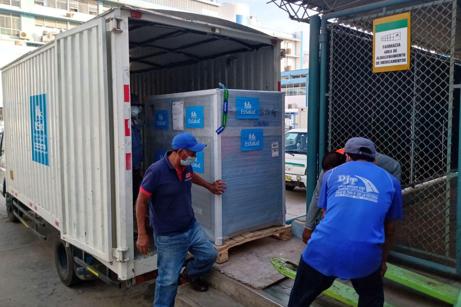 EsSalud envió una planta de oxígeno para mejorar y ampliar la atención a pacientes covid-19 en el Hospital I Chepén. Foto: ANDINA/difusión.